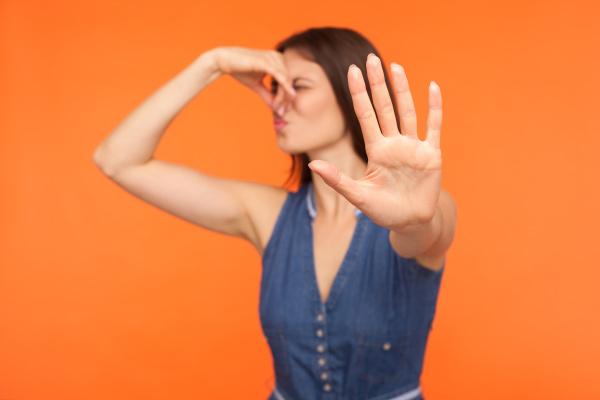 Comment éviter les odeurs de litière