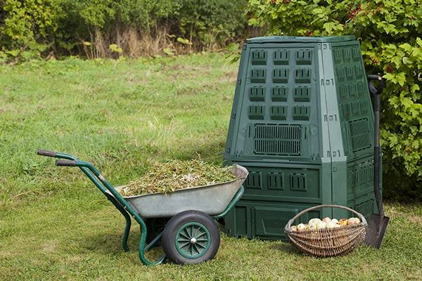Litière chat dans compost